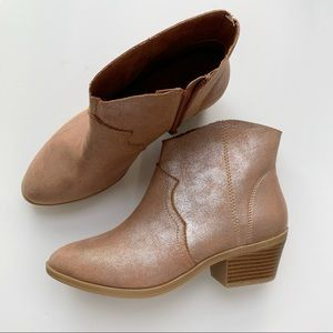 Time and Tru Western Boot size 6